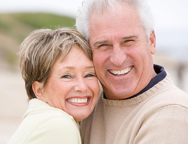 dentista-per-anziani-impianti-mobili-fissi-udine