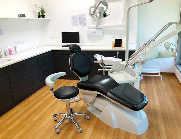 sala-riunito-dentista-pasian-di-prato-udine